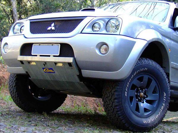 Peito de Aço SLX Mitsubishi L200