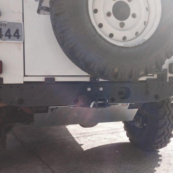 Engate traseiro removível c/ Suporte de Estepe LR Defender